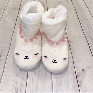 ♡ 3/$25 Justice Llama Slippers ♡